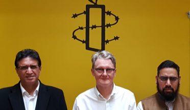 تنویر احمد چوھدری اور حافظ محمد مظہر اقبال نعیمی کی فن لینڈ میں ایمنسٹی انٹرنیشنل کے چئرمین سے ملاقات