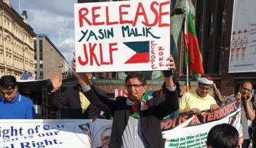 چیرمین لبریشن فرنٹ جناب محمد یسین ملک کی گرفتاری کے خلاف ہیلسنکی فن لینڈ میں زبردست احتجاجی مظاہرہ