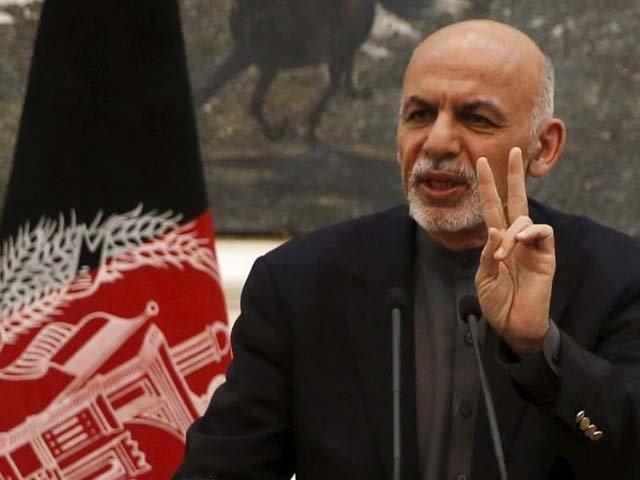 طالبان اسلحہ پھینک دیں اور پر تشدد کارروائیوں سے باز آجائیں۔ افغان صدر (فوٹو : فائل)