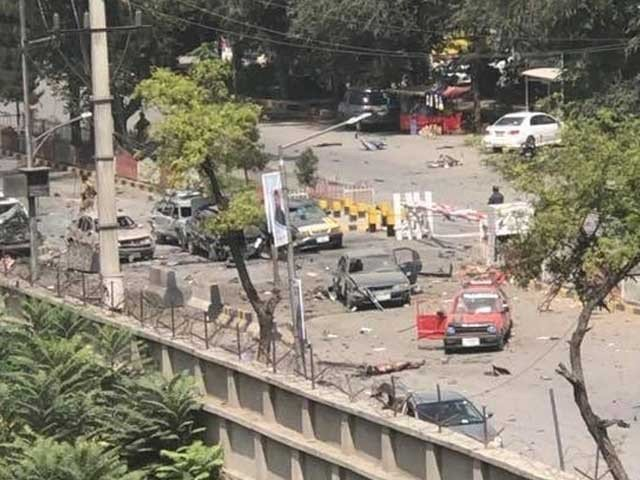 خودکش حملہ آور نے بارود سے بھری گاڑی این ڈی ایس کی چیک پوسٹ سے ٹکرا کر دھماکے سے اڑادی فوٹو:ٹوئٹر