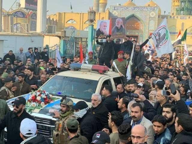 جنازے میں عراق کے وزیراعظم عادل عبدالمہدی نے بھی شرکت کی۔ فوٹو:انٹرنیٹ