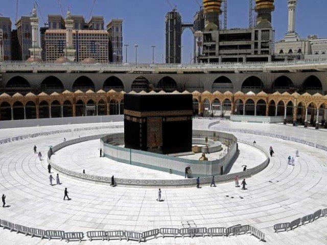 مسجد الحرام میں عام عبادت گزاروں کے داخلے پربدستور پابندی برقرار رہے گی۔ فوٹو: فائل