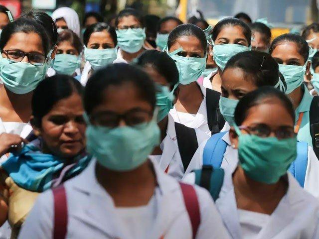 بھارت کورونا وائرس سے متاثر ہونے والا دنیا کا تیسرا بڑا ملک بن گیا ہے، فوٹو : فائل