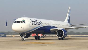بھارتی طیارے کی کراچی میں ہنگامی لینڈنگ۔